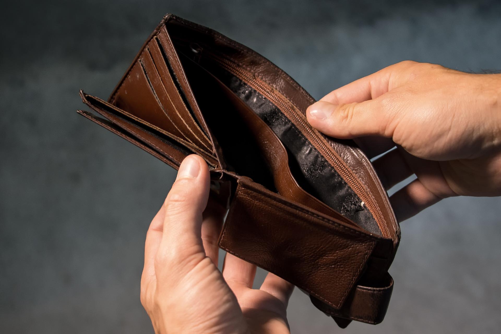Правила заполнения 6-НДФЛ, если зарплата выплачена позже срока